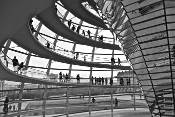 """""""Vista interior de la cúpula del Reichstag (Parlamento alemán)"""". Autor:  Taran Toni"""